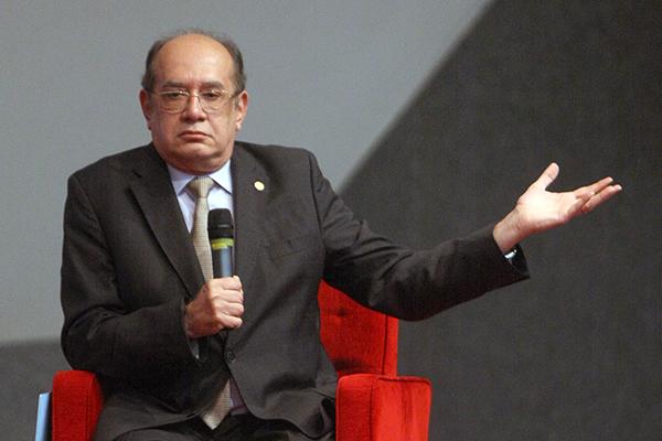 """Ministro do STF afirma que a pandemia revelou ou tornou mais explícitas """"uma série de fraturas expostas na sociedade brasileira"""
