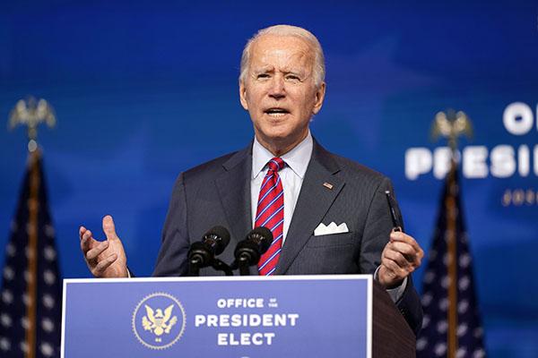 Joe Biden toma decisões que aumentam a pressão sobre o Congresso para aprovação da pauta que pretende incentivar a retomada
