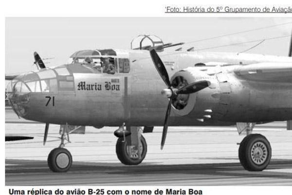 Réplica do avião B-25 que faz referência a Maria Boa, uma homenagem de soldados brasileiros