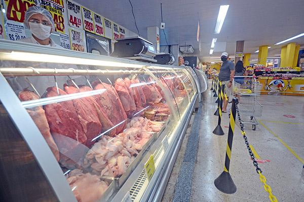 A alta no preço dos alimentos foi responsável por mais de 60% de toda a inflação do ano passado