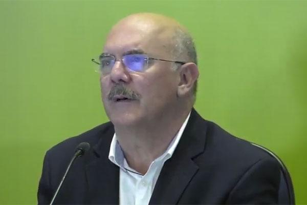 Ministro considerou abstenção alta, mas afirmou que primeiro dia foi um sucesso