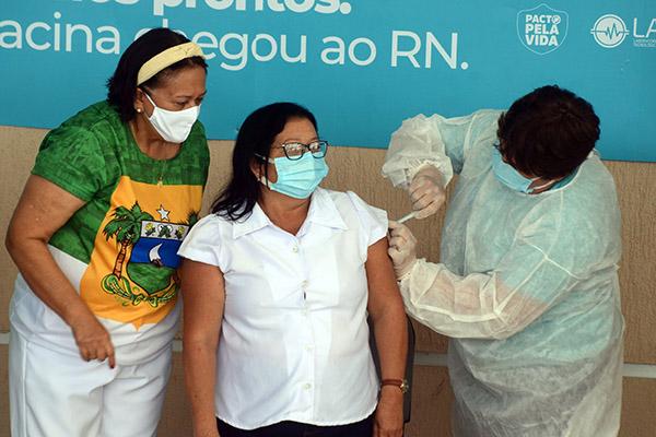 """Antônia Pinheiro da Silva Araújo54 anosEnfermeiraEstratégia Saúde da Família da Comunidade Indígena de Lagoa do Tapará""""Esperançosa, alegre e lisonjeada, pois, sei que muita gente gostaria de estar no meu lugar"""""""