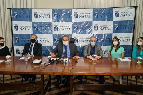 Prefeito de Natal,  Álvaro Dias, convocou a imprensa na manhã dessa segunda-feira (22) para anunciar medidas contra a covid-19