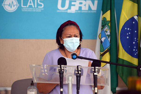 Governadora Fátima Bezerra seguiu entendimento de outros governadores e anunciou medidas mais rígidas de contenção da covid