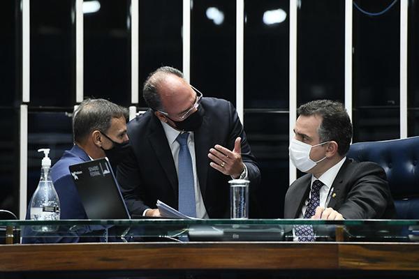 Presidente do Senado, Rodrigo Pacheco articula a votação da proposta de emenda constitucional