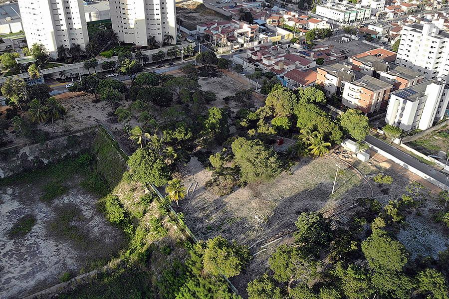 Equipamento fica entre as ruas Ismael Pereira da Silva, Missionário Joel Carlson, Industrial João Mota e Antônio Farache, área determinada pela Justiça para parque público