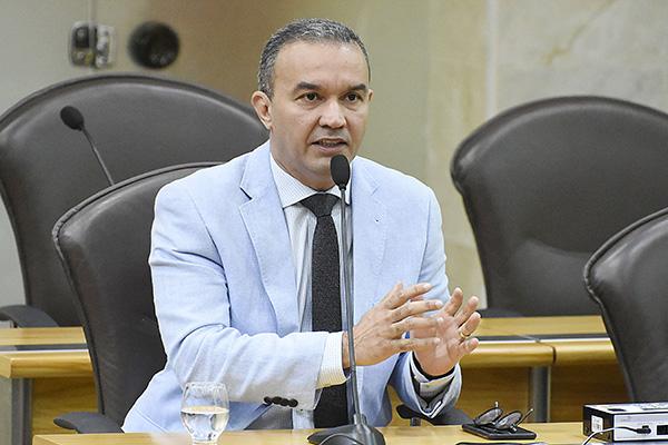 Kelps Lima diz que impetrou mandado de segurança, com base na Constituição e decisões do STF