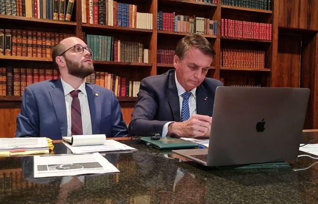 Bolsonaro concedeu entrevista ao Pingo nos Is, da Jovem Pan News