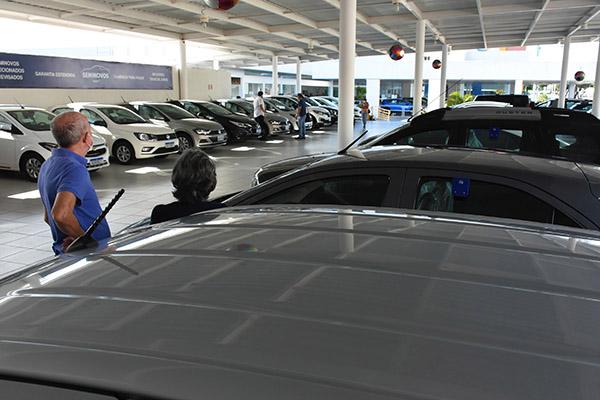 Em julho, a venda de carros usados e seminovos cresceu 237,4%