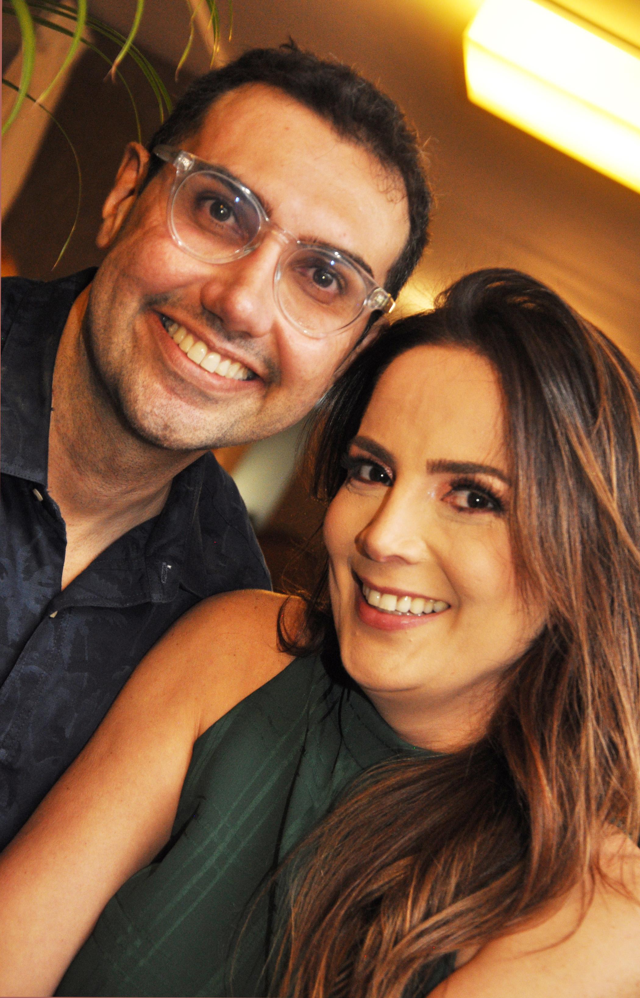 NIVER DE THIAGO - Thiago Cavalcanti e Carol Galvão