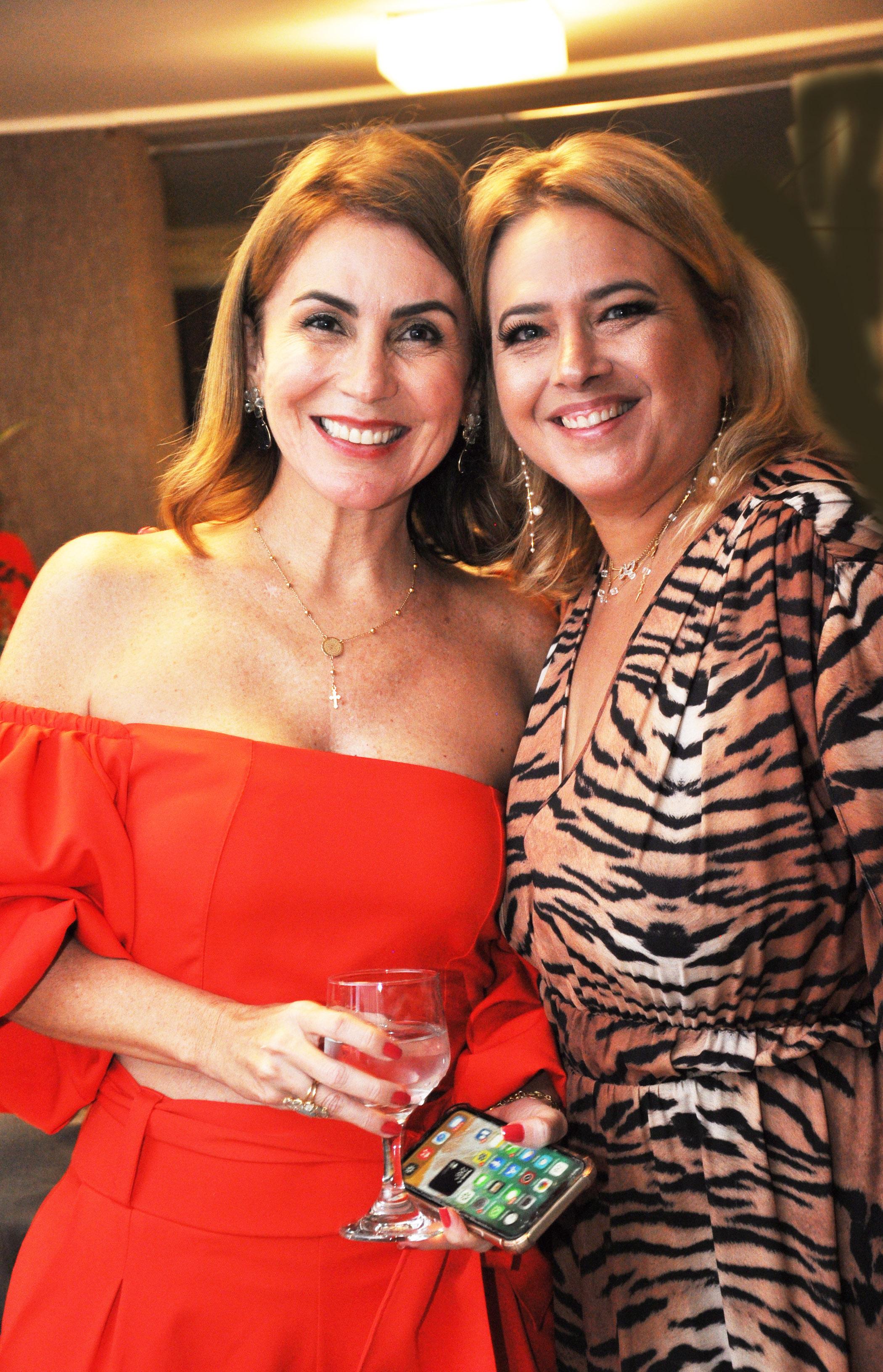 REUNIU NOMES - Angela Pinto e Adriana Galvão