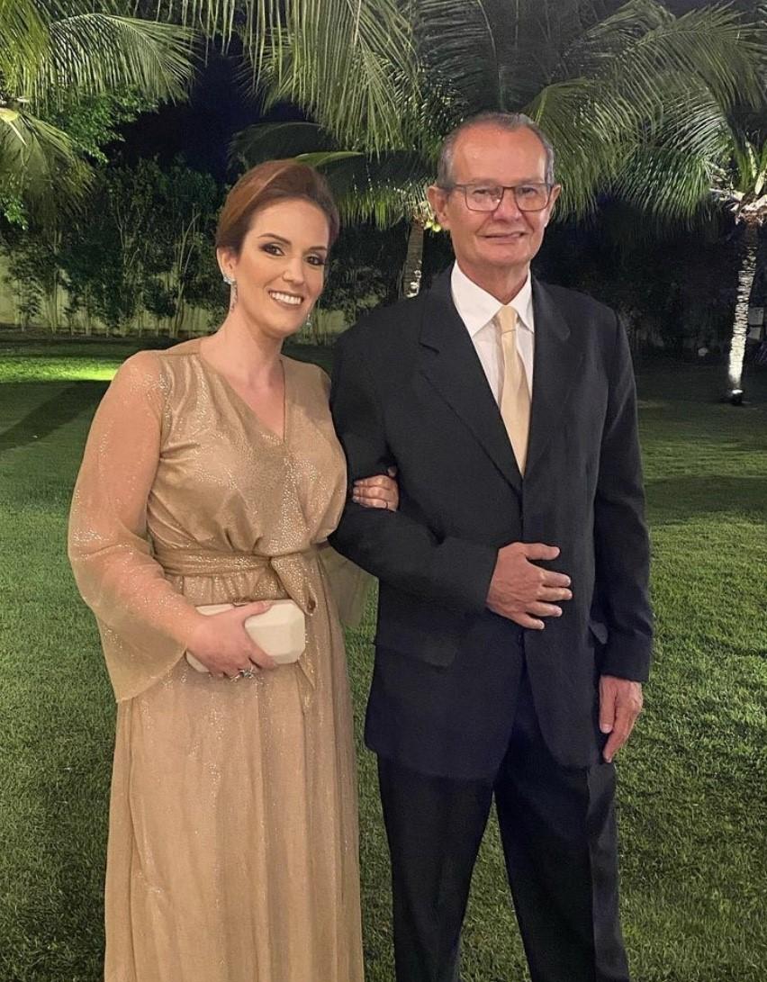 Gente Chique! Bia Monte/Arnaldo Pinheiro, padrinhos no casamento de Louise Godoy e Alexandre Souza, que trocaram alianças na última segunda, no espaço Macamirim.