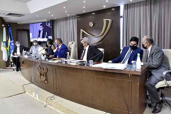 Deputados ouviram no dia 18 de agosto, servidores do Lacen e o controlador-geral do Estado, Pedro Lopes, sobre a compra de reagentes e testes