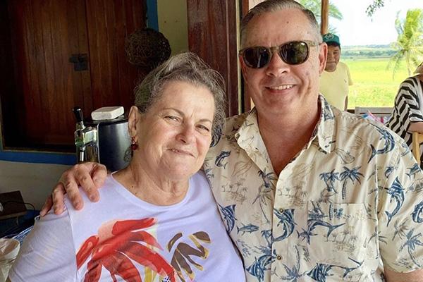 Gente bacana de nossa sociedade, os amigos Laisinha de Paula e Toninho Magalhães em ocasião comemorativa