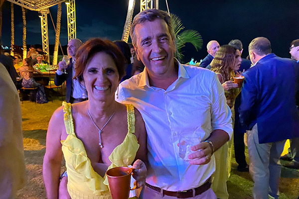 2- Energia boa dos amigos Marcos e Silvana no casamento de #Vivito