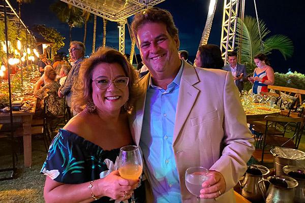 3- Graciema e André no casamento de #Vivito, na praia dos Lamartine.