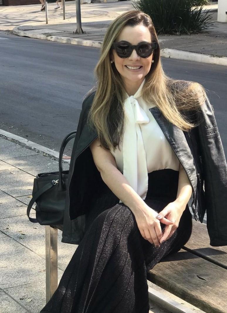 Dia de festa para a amiga querida Andrea Porpino, que amanhece em ritmo de nova primavera.