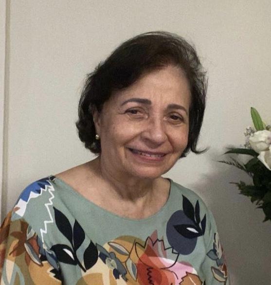 Aniversariante do dia, a médica Tecia Maranhão receberá um festival de vivas de pacientes, familiares e legião de amigos.