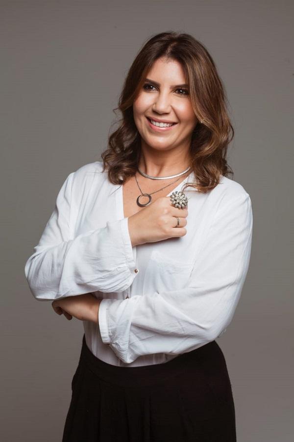 1- MULHER DE VALORVice-presidente do CDL, Malu Fontes, no lançamento da Rede Mulher de Valor