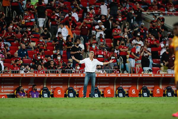 Renato acha que críticas a jogadores podem nem ser da torcida