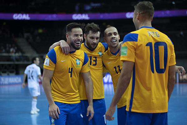 Brasil volta à quadra às 10h de domingo, horário de Brasília, para enfrentar seleção do Marrocos