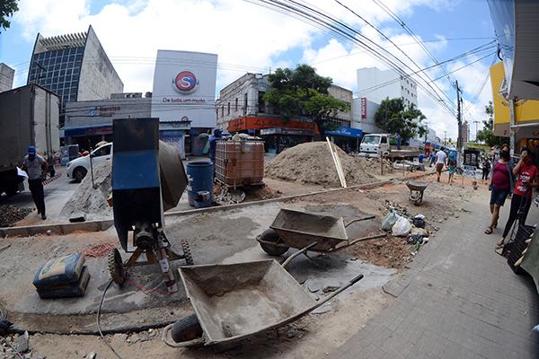 Obras na Rio Branco fazem parte de projeto para revitalizar o centro da cidade. Ideia é atrair mais pessoas e empresas
