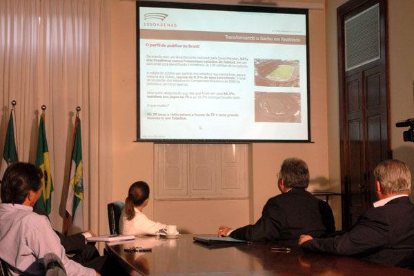 Na sede da prefeitura, a empresa Lusoarenas apresentou proposta para a Arena das Dunas