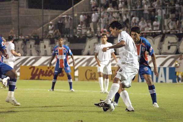 Mesmo jogando melhor o primeiro tempo, o Alvinegro errou muitos passes e finalizações