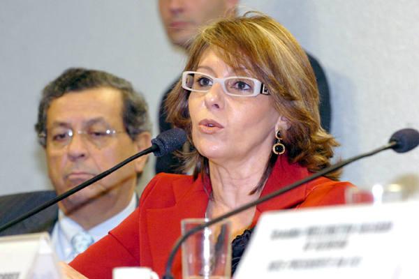 Ex-secretária Lina Vieira voltou a afirmar que a ministra mentiu sobre o encontro