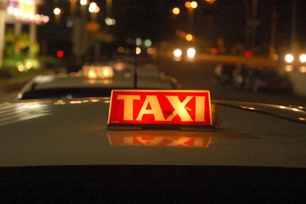 Segundo a Fencavir, há aproximadamente 300 mil táxis no Brasil