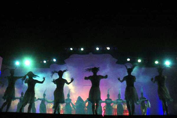 Espetáculo Festa do Menino Deus