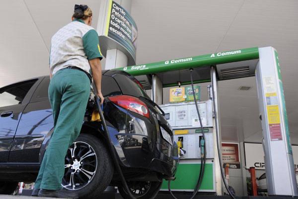 Se reajuste for repassado integralmente, gasolina passará ao preço médio de R$ 2,72