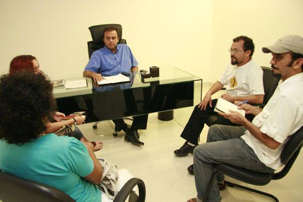 Carlos recebe visita de militantes que prometem lutar pela adesão de outras correntes petistas