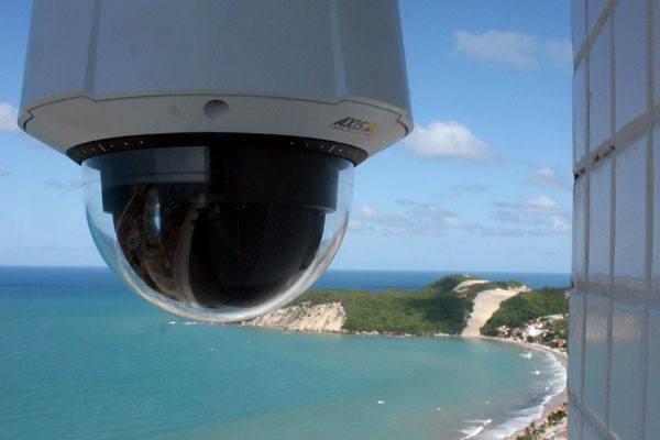 Instaladas na orla marítima que vai de Ponta Negra à Redinha,  23 câmeras monitoram todo o movimento 24 horas por dia