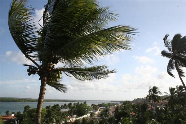 Ventos fortes ainda atingem Barra de Cunhaú