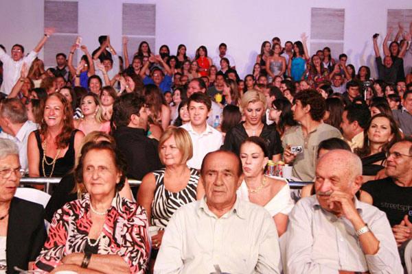 Torcidas fazem a festa no Vila Hall