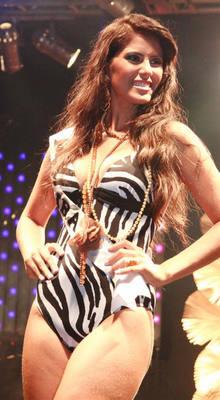 Desfile de traje banho empolgou a plateia do Miss RN