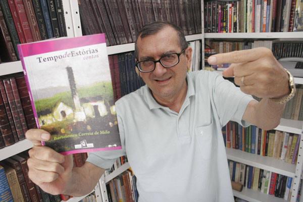 Escritor e químico aposentado, Bartolomeu tem problema respiratório decorrentes do trabalho