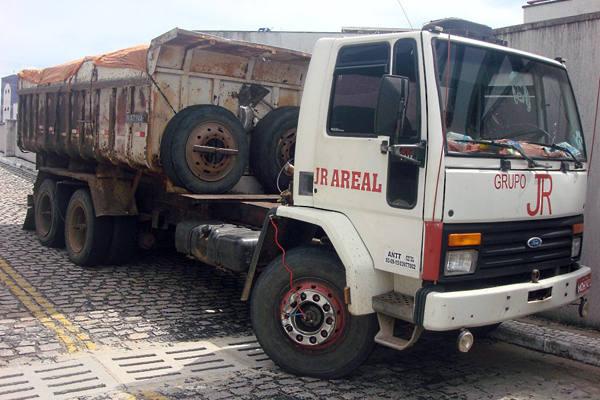 Caminhão apreendido pela  Polícia Federal