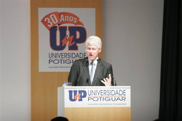 Bill Clinton discursou para convidados na UnP