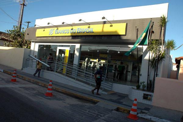 Agência do Banco do Brasil  foi invadida na tarde desta segunda