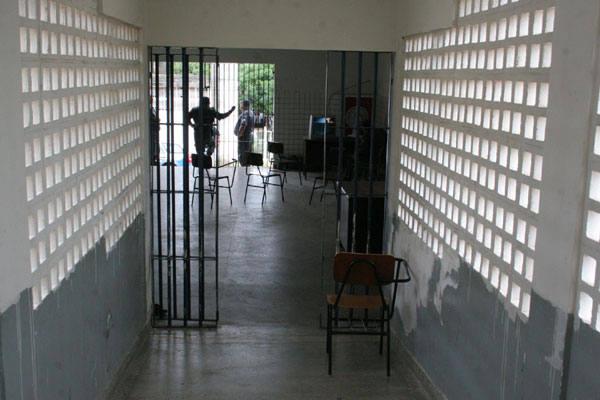 Complexo Penal João Chaves, localizado na zona Norte, tem capacidade para 100 presos, mas estava comportando 130 detentos
