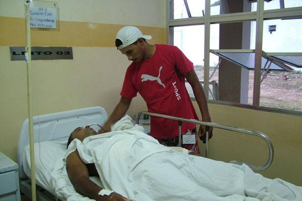 Severino  Tibúrcio Filho foi atingido por três disparos e encontra-se internado no  Hospital Tarcísio Maia