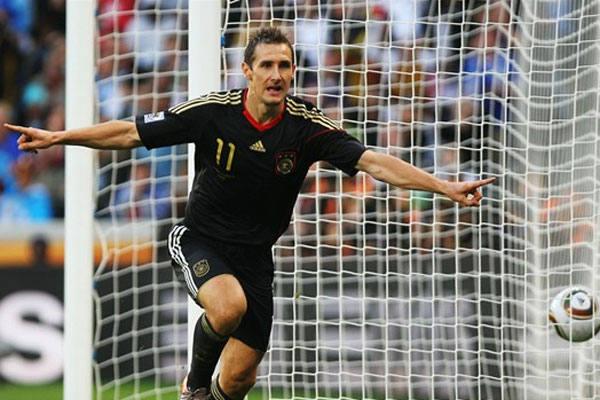 Artilheiro Klose buscar quebrar recorde de Ronaldo que marcou 15 gols em Copas