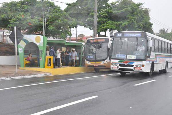 Com as chuvas, a mudança deixou os passageiros ainda mais confusos