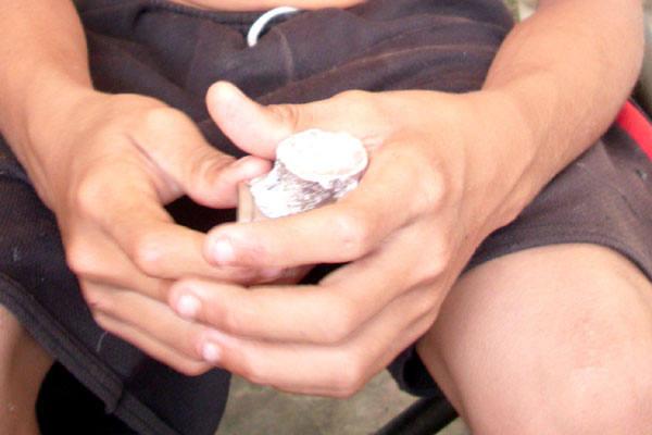 Debilitado,  menino de 13 anos, de Caicó, está viciado em crack