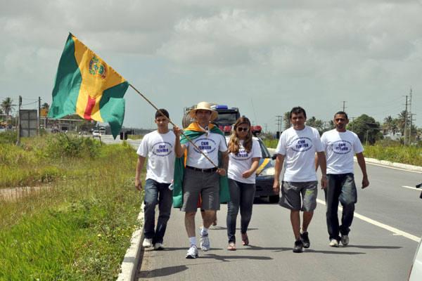 Prefeito de Antônio Bezerra caminha em defesa dos pequenos municípios
