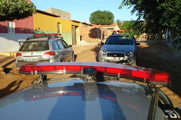 Ação resultou na prisão de 35 pessoas e na apreensão de armas, drogas, dinheiro e veículos