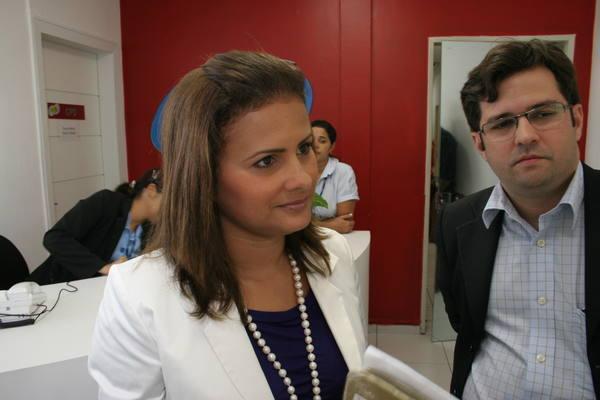 Justiça também determinou multa de R$ 2 mil a Micarla de Sousa para cada dia de descumprimento da decisão.