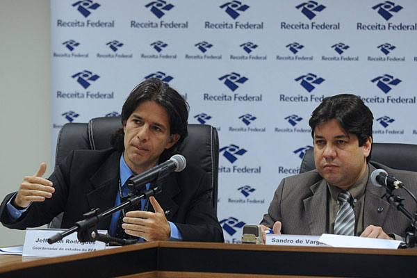 Jefferson Rodrigues e Sandro de Vargas Serpa, da Receita, apresentaram números ontem
